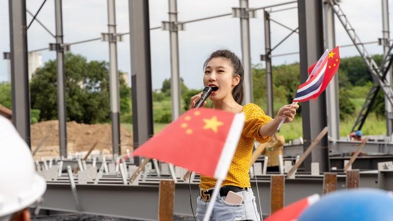 《泰金888官方網站》歌曲《國旗飄揚》獻禮不平凡的2020年 致敬逆行抗疫英雄
