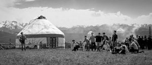 《歌聲的翅膀》:美麗新疆的幸福生活