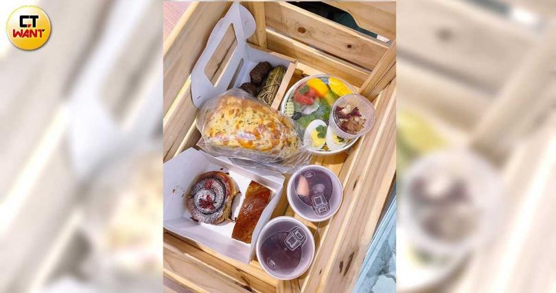 以部落四大食材-刺蔥、樹豆、小米、洛神製作的料理,在焚風野餐箱裡可一次嘗到。(980元/需預訂)(圖/焦正德攝)
